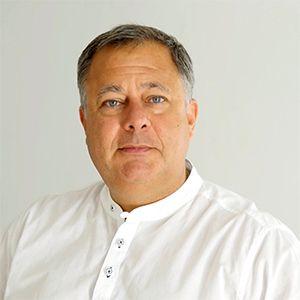 Dr. Jorge Cubrías Morales