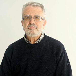Dr. Julio Montoya